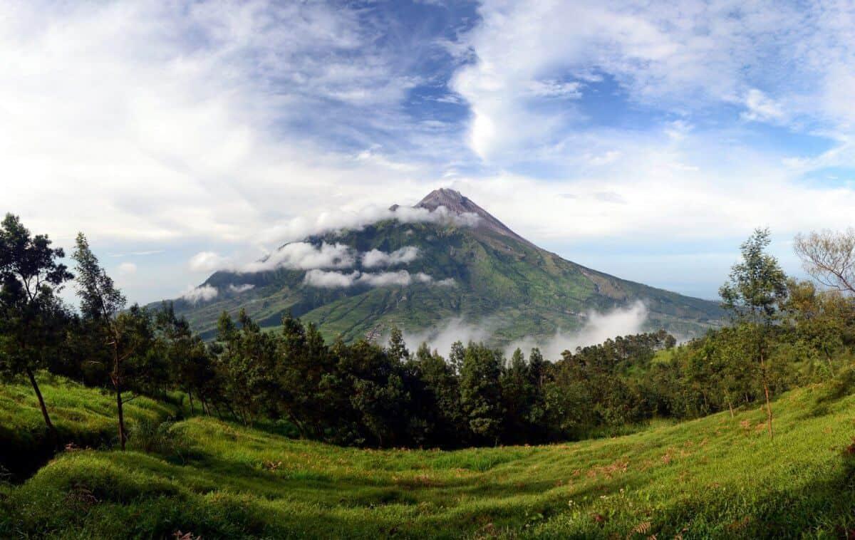 Merapi volcano Java voyage