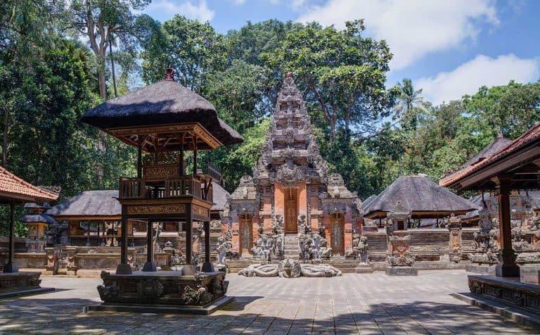 Monkey Forest Ubud Bali Temple Court Intérieure