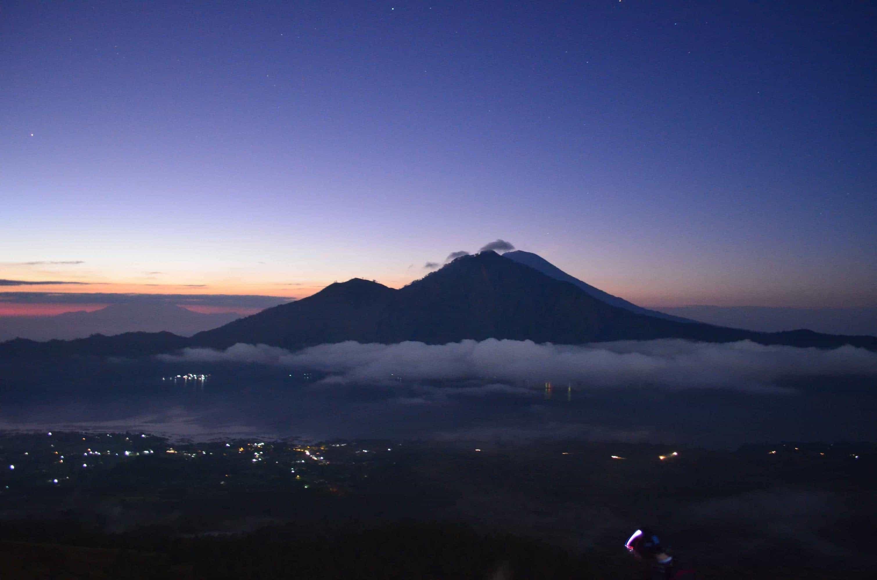 paysage mont agung nuit bali