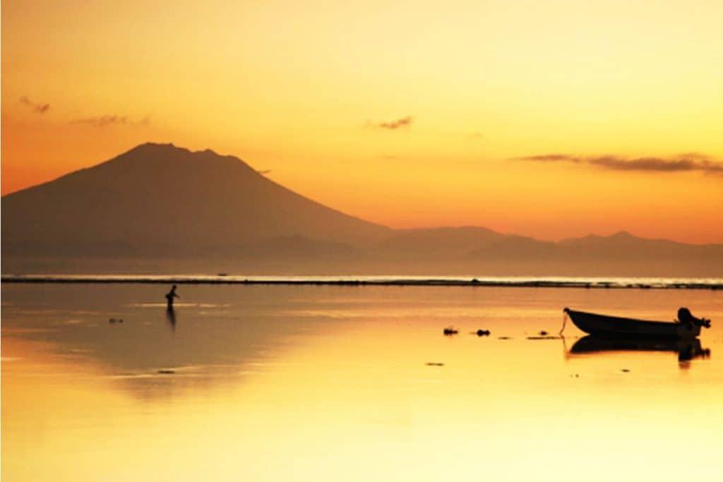 Volcan Agung Nusa Lembongan coucher de soleil