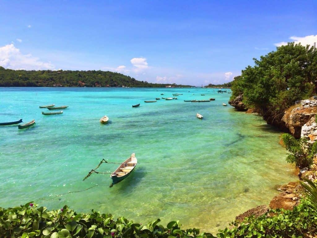 Nusa Ceningan plage bateau Bali