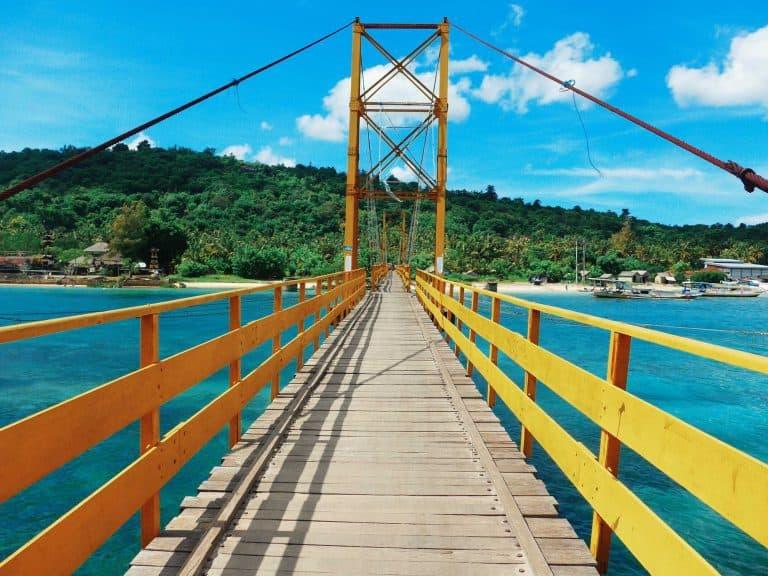 Nusa Lembongan Bali pont Nusa Ceningan