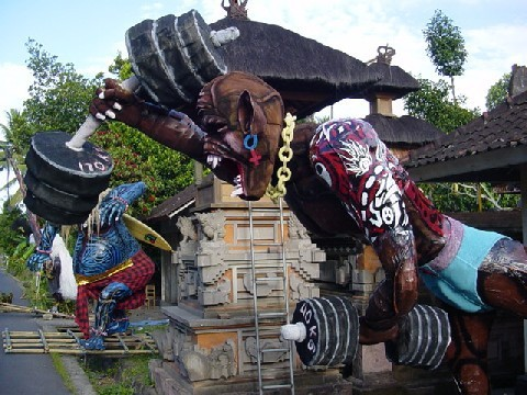 nyepi creatures tradition balinaise