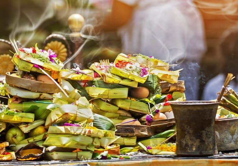 offrandes temples bali indonésie