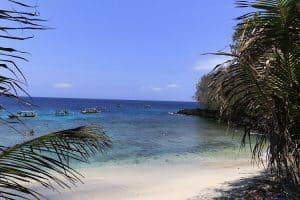 plage déserte bali indonésie