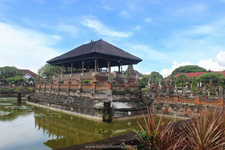 palais klungkung bali panorama