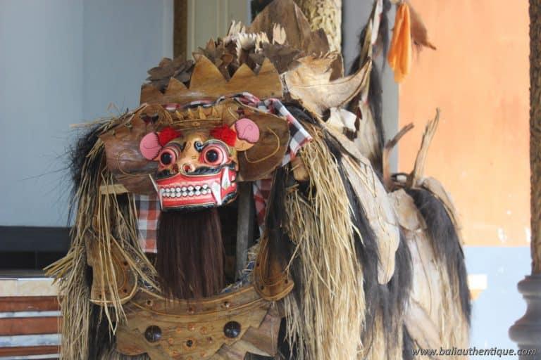 palais klungkung barong creature balinaise culture