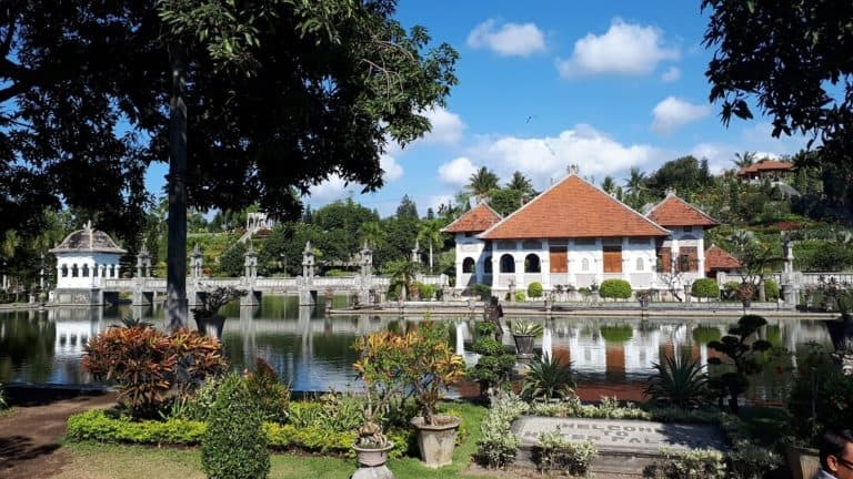 palais ujung bali indonesie