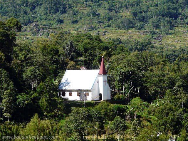 pays toraja sulawesi eglise montagne