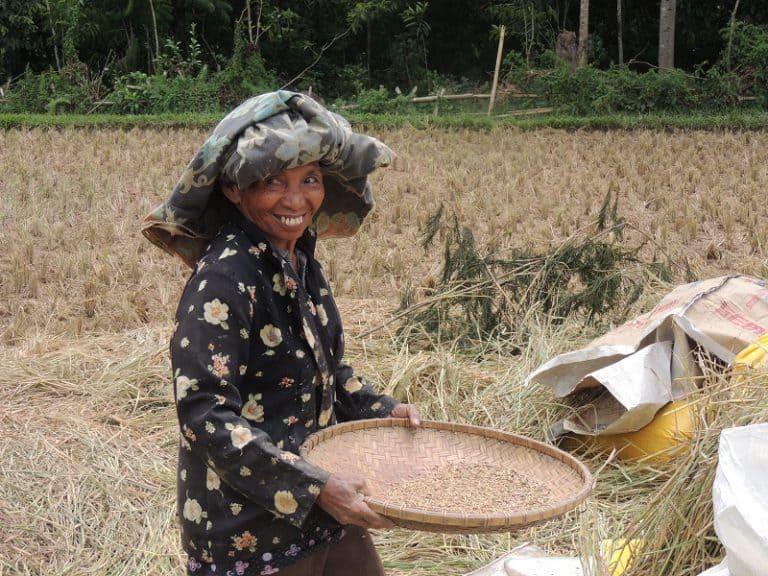 voyage au bout du monde travailleuse indonésienne