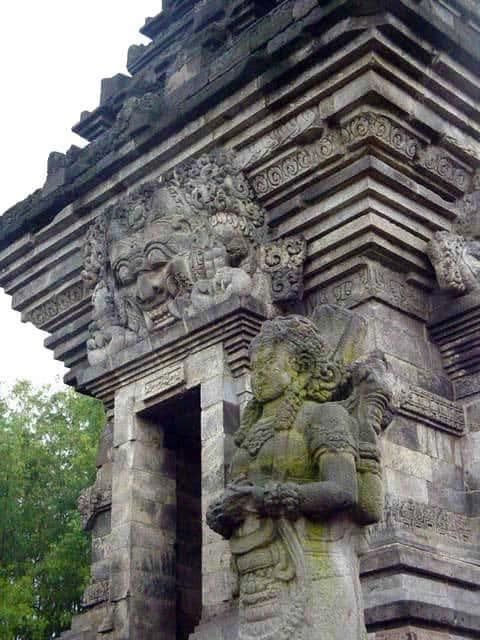 penataran temple java est
