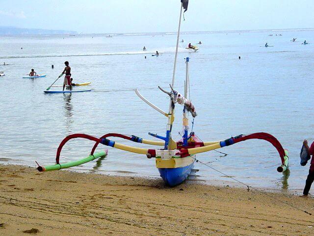 plage bali indonésie