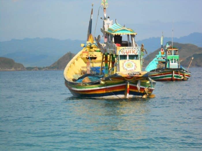 plage de papuma java est paysage bateau