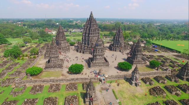 Prambanan temples vue aérienne
