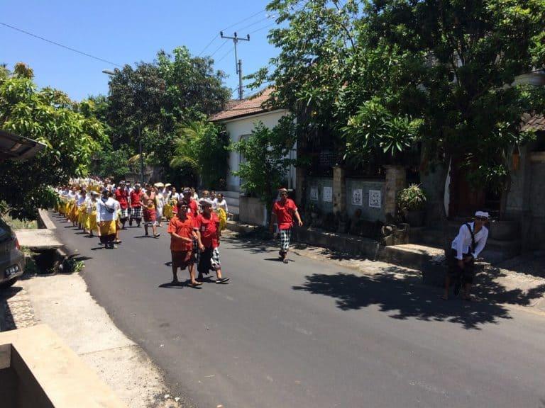 procession bali hindouisme