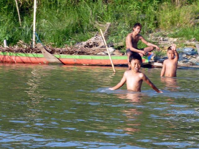 promenade sengkang sulawesi enfants lac