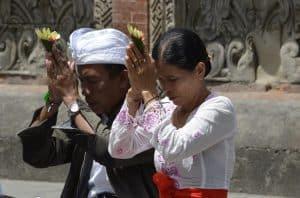 Pura tirtha empul tampaksiring bali culture