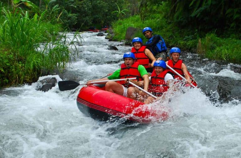 rafting activite aquatique indonesie