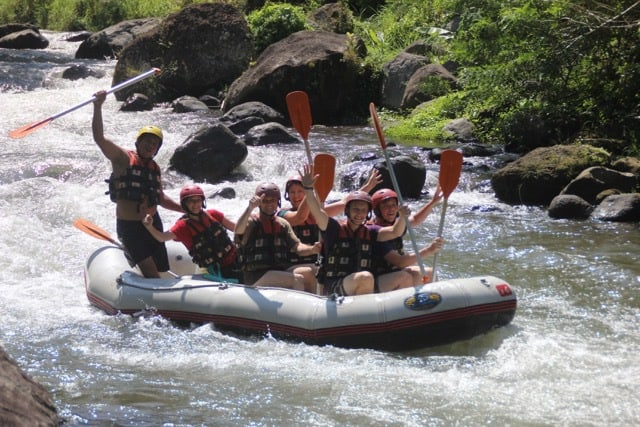 activités adolescents bali rafting