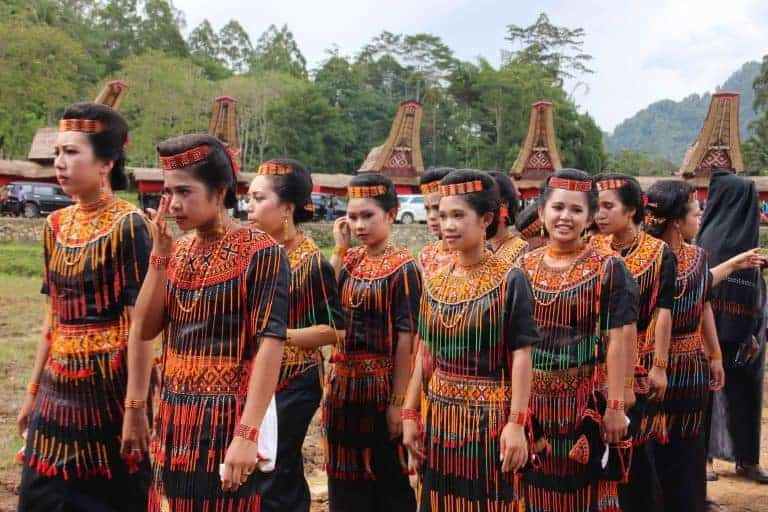 Sulawesi Toraja cérémonie vêtement traditionnel