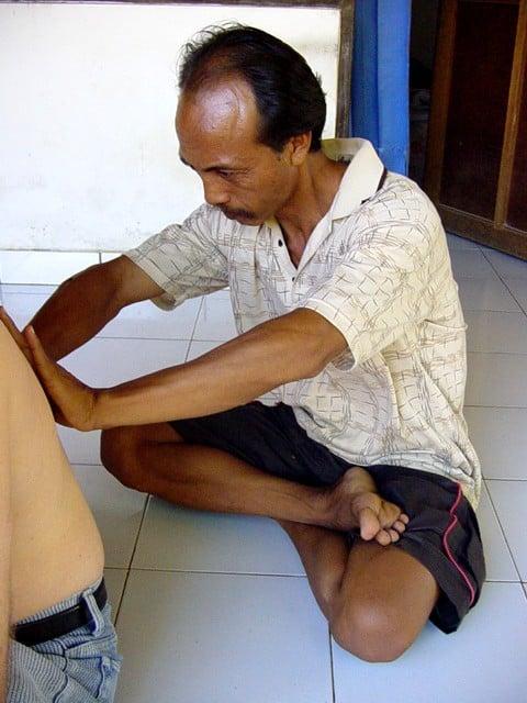 rencontre avec un guérisseur local de bali