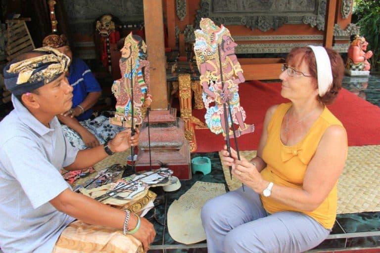 activité locale marionnettes balinaises
