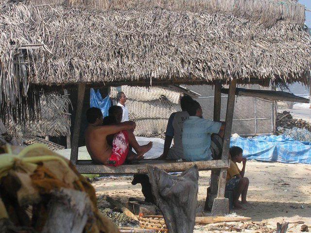 scene de vie nusa lembongan ile indonesie