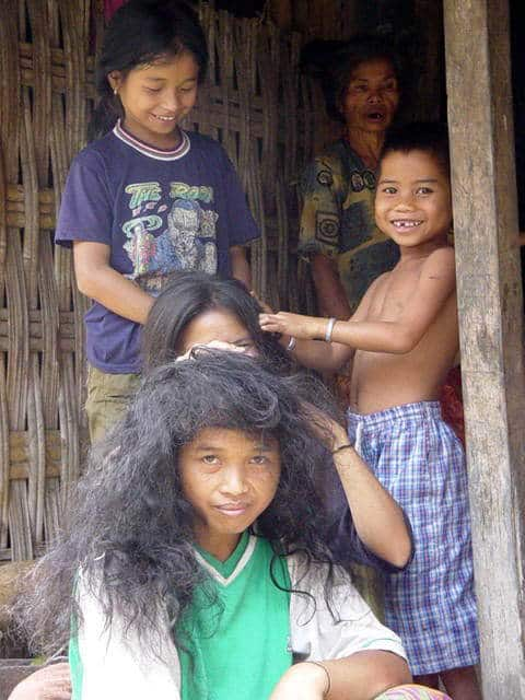 senaru village lombok indonesie habitants coiffure
