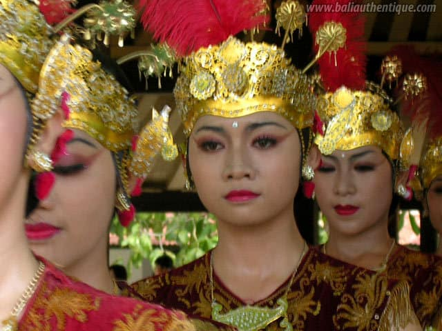 serimpi danse java ile indonesie
