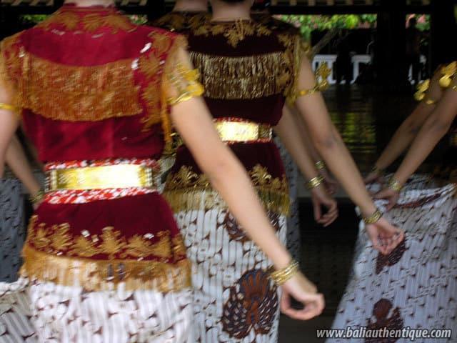 serimpi danse java indonesie culture locale