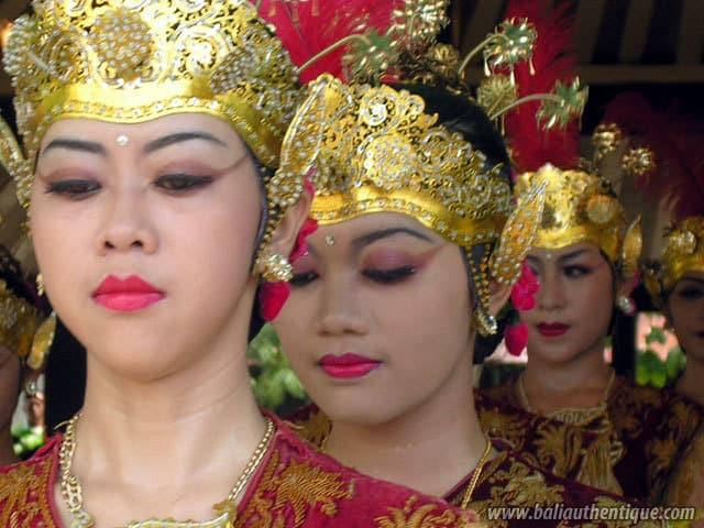 serimpi danse traditionnelle java indonesie