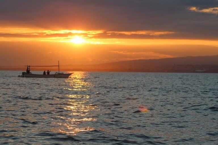 soleil mer bali indonesie