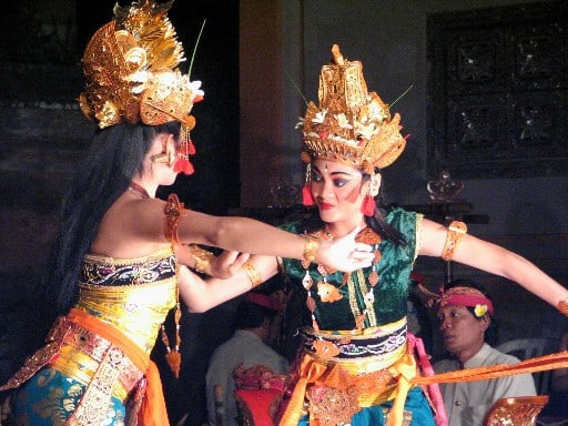 spectacle local danse ramayana java