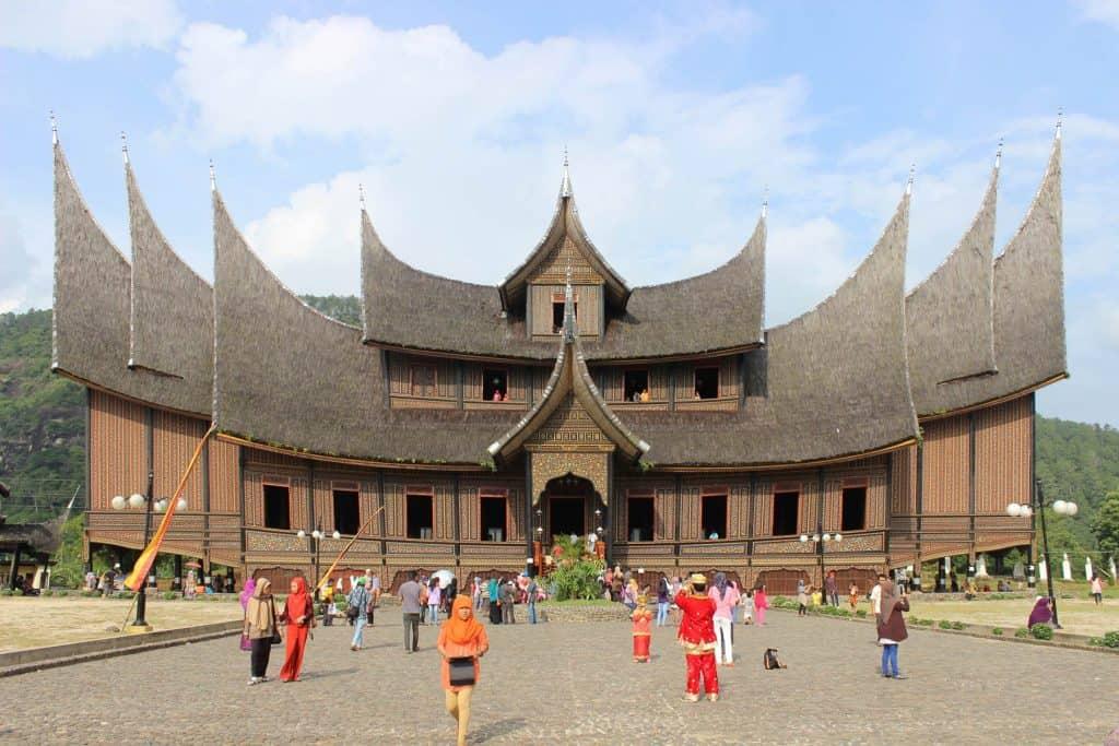 Sumatra maison traditionnelle Pagaruyung Palace
