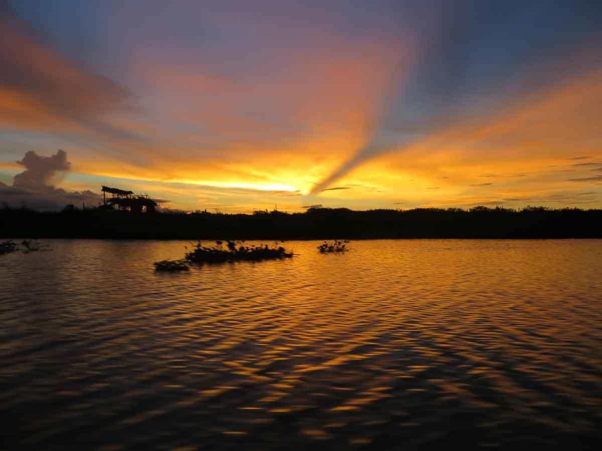 sunset sengkang sulawesi