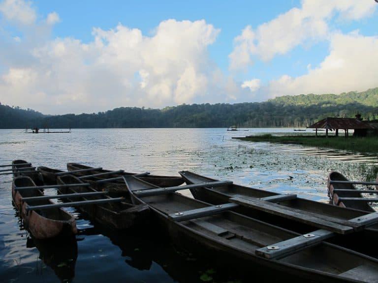 Lac tamblingan apaisement repos bali