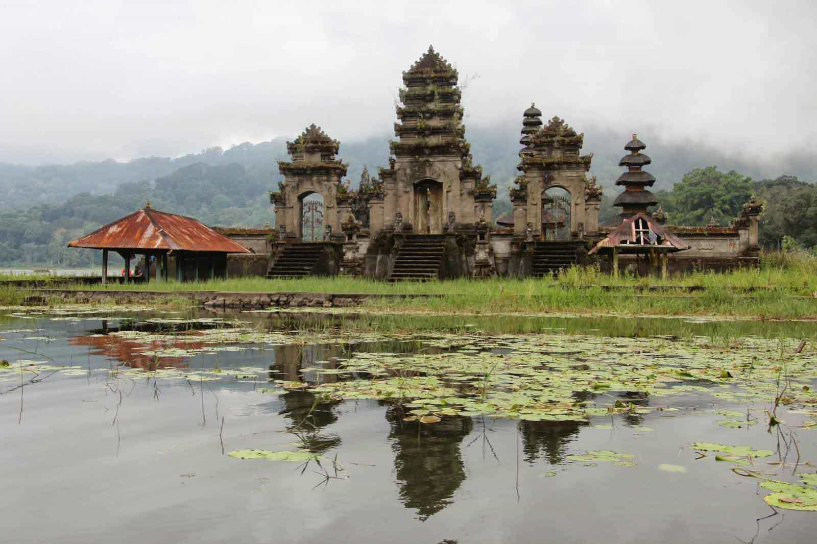 tamblingan temple bali indonesie culture panorama