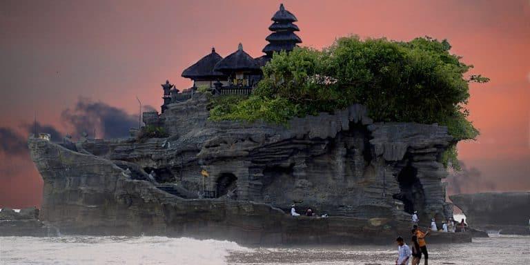 tanah lot bali paysage indonesie