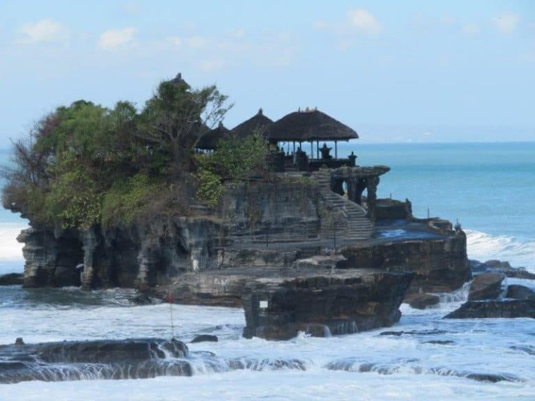 Tanahlot bali indonesie temple