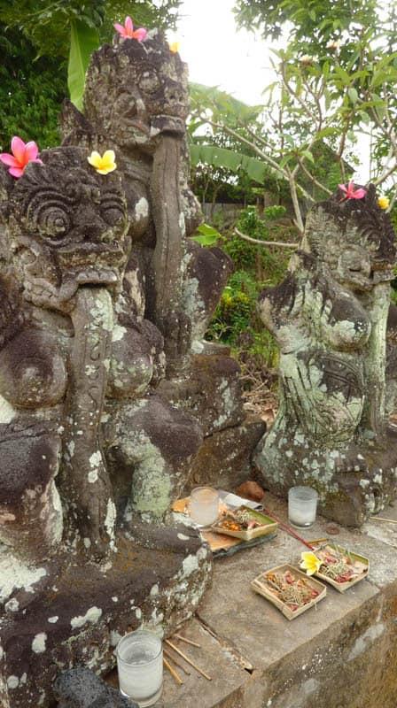 temple bali candi wasan indonesie offrandes