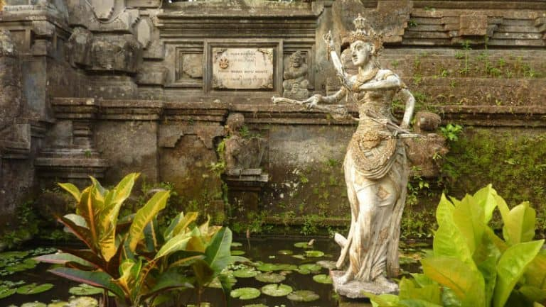 temple bali candi wasan indonesie statue deesse