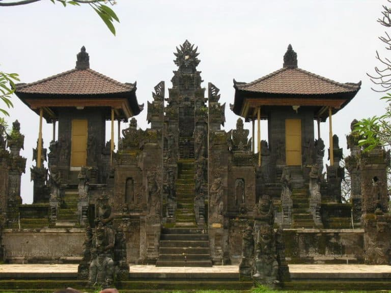 temple bali singaraja indonesie culture