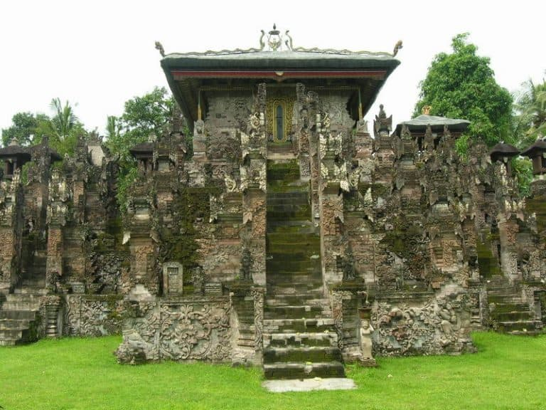 temple bali singaraja indonesie culture locale