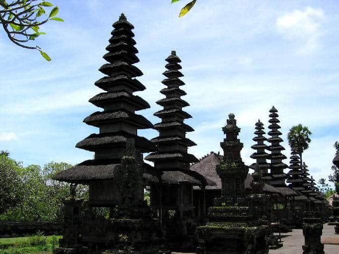 temple bali tan ayuamn mengwi culture locale