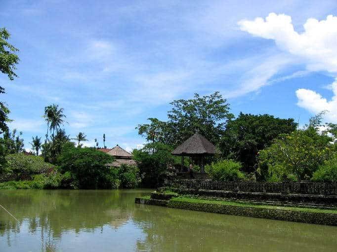 temple bali tan ayuamn mengwi lac