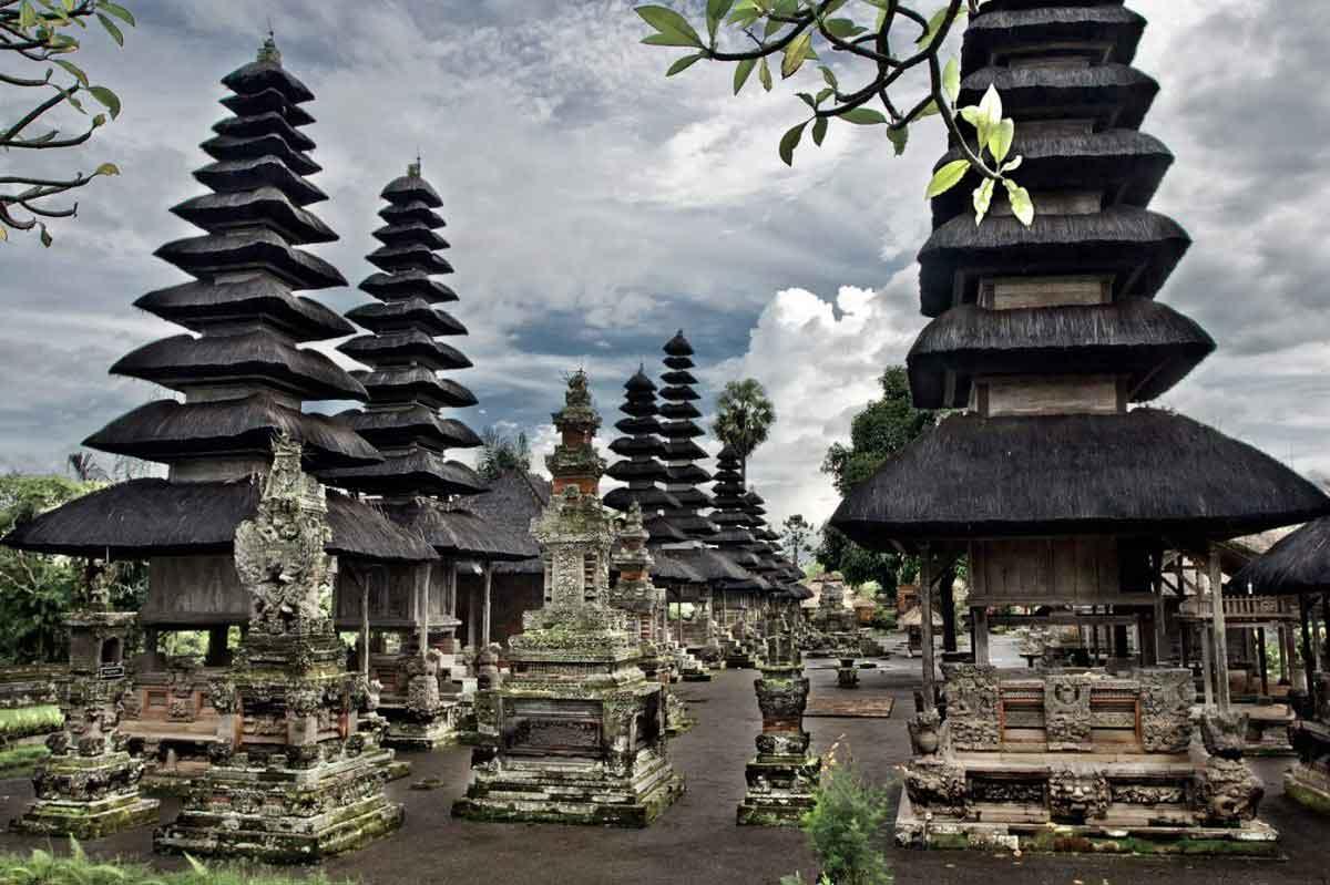 temple bali tan ayuamn mengwi panorama