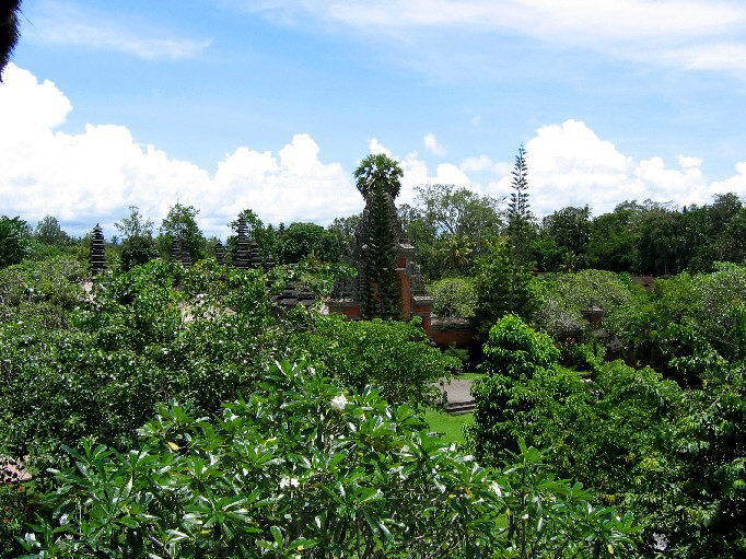temple bali tan ayuamn mengwi paysage