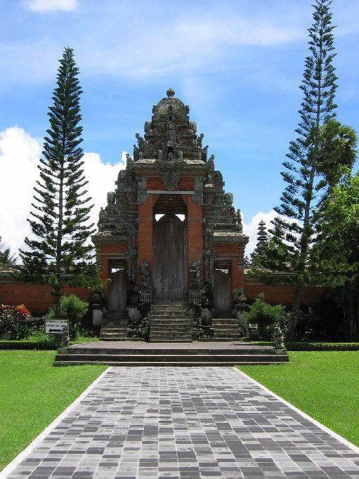temple bali tan ayuamn mengwi