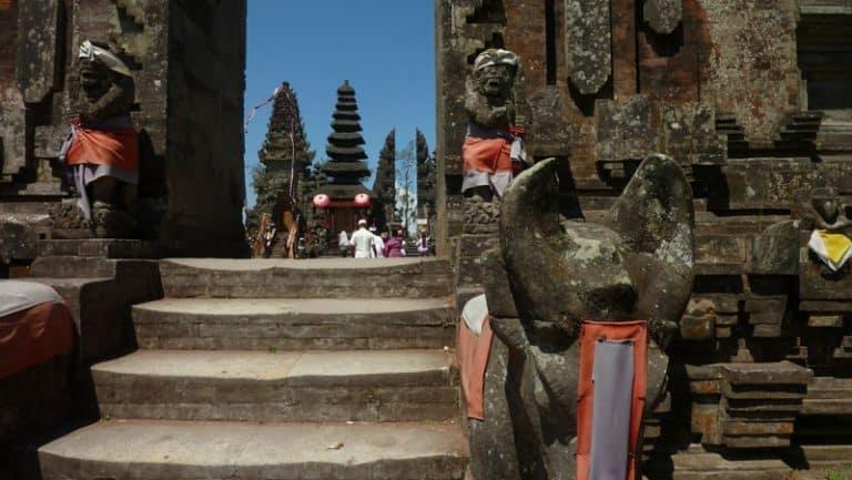 temple bali ulun batur culture locale