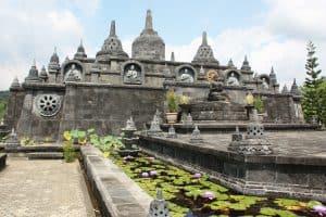 borobudur temple ile de java
